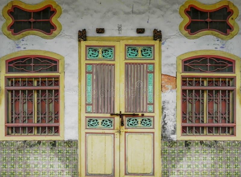 Een ornament en een architectuur van de deuren royalty-vrije stock fotografie