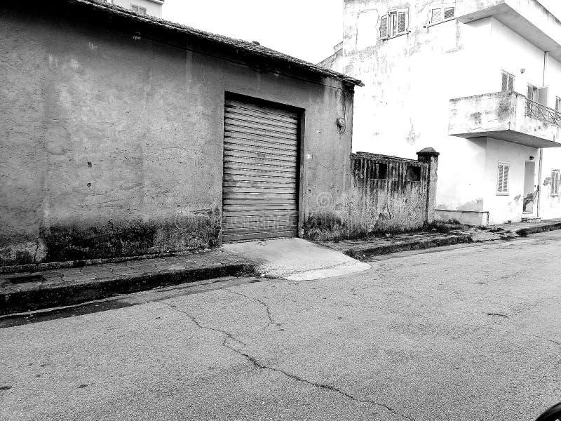Een oud verlaten pakhuis stock fotografie