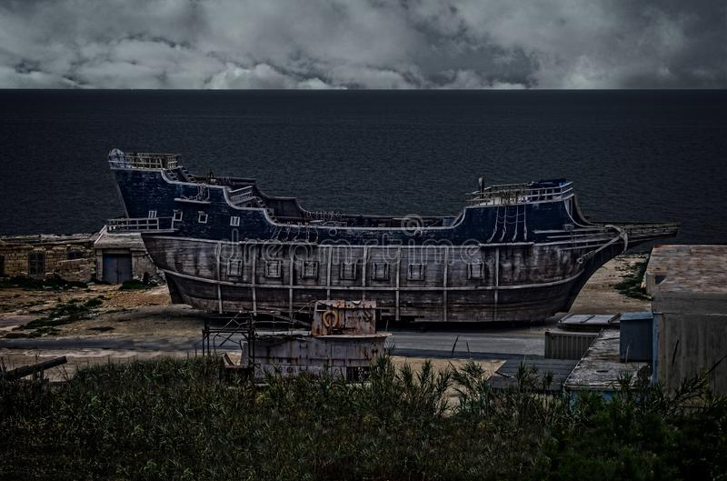 Een Oude Schip en een Onderzeeër stock foto