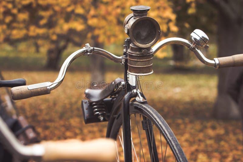 Een oude stuiver-farthing fiets stock afbeeldingen