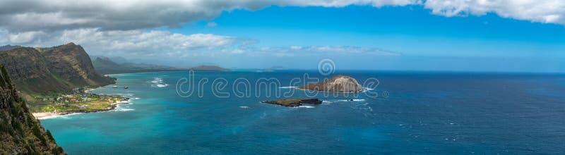 Een Overweldigend Panorama van de Mening van de Oostelijke Kust van Oahu ` s royalty-vrije stock foto's
