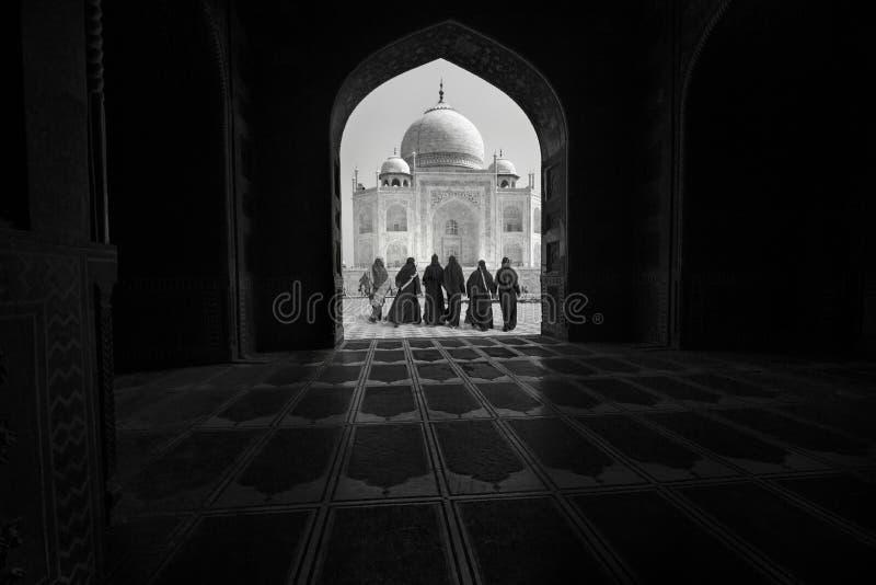 Een overwelfde galerij in Taj Mahal in Agra, India stock afbeeldingen