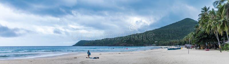 Een panorama van een strand in Filippijnen royalty-vrije stock foto's