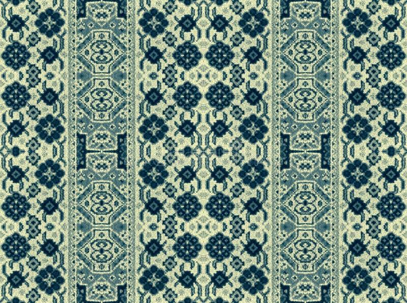 Een patroon van bloemen en geometrische elementen voor tapijt, het vastzetten stock fotografie