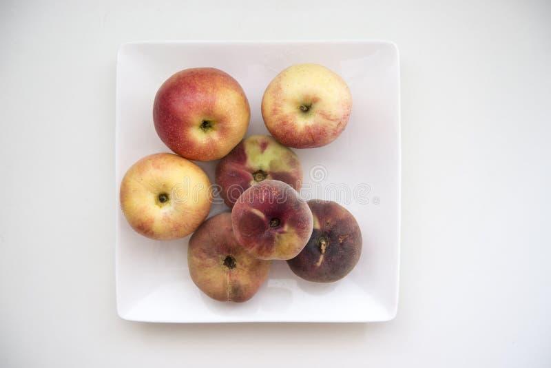 Een plaat van fruit royalty-vrije stock afbeeldingen