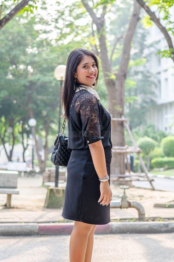 Een portret van een mooie jonge Aziatische bedrijfsvrouw royalty-vrije stock foto