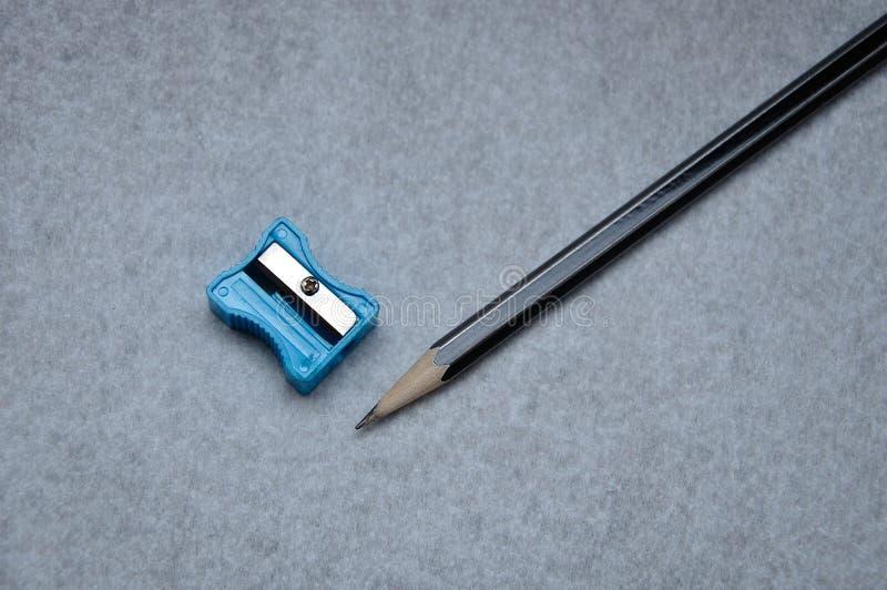 Een potlood en een slijper royalty-vrije stock foto's