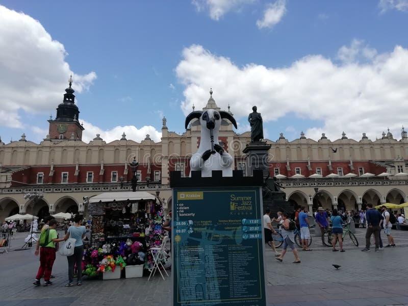Een ram met een pijp op het tsaarvierkant royalty-vrije stock afbeelding