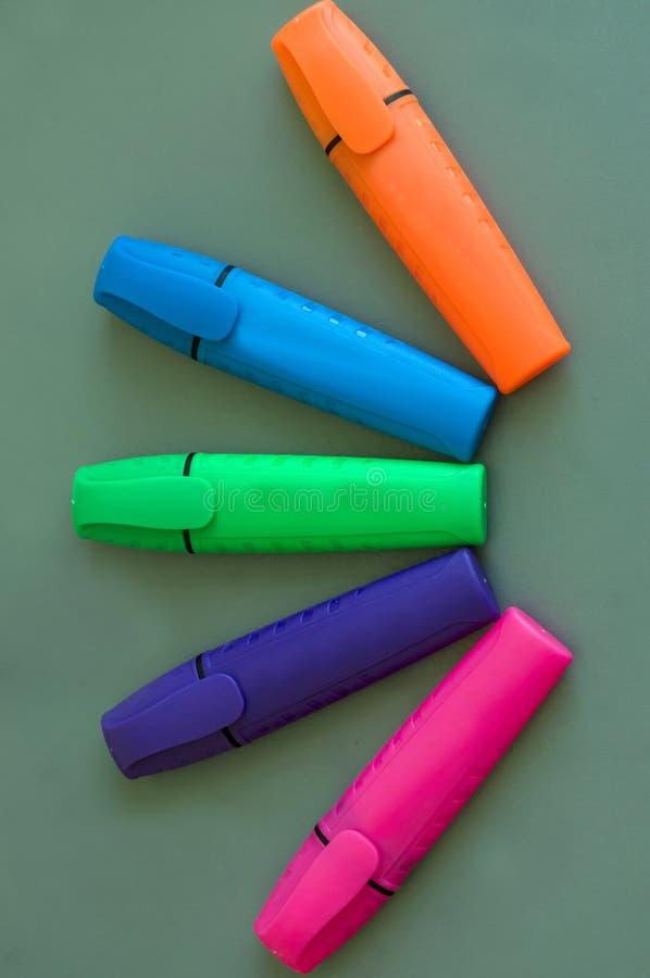 Een reeks gekleurde tellers voor de Raad stock fotografie