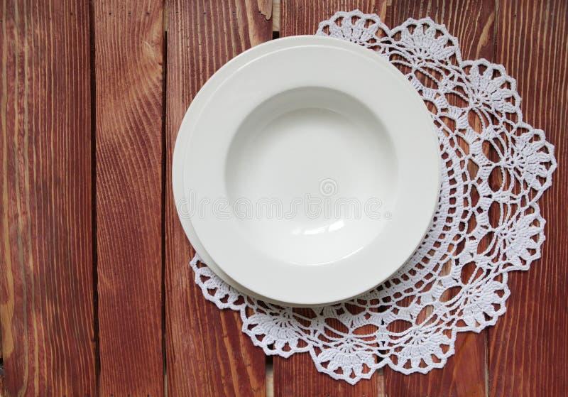 Een reeks het dineren platen royalty-vrije stock afbeelding