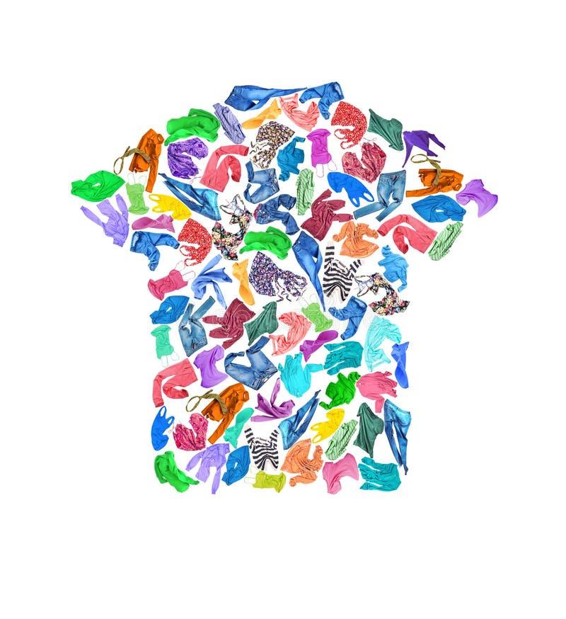 Een reeks kleren in de vorm van een T-shirt Kleurrijke verschillende mede royalty-vrije stock foto