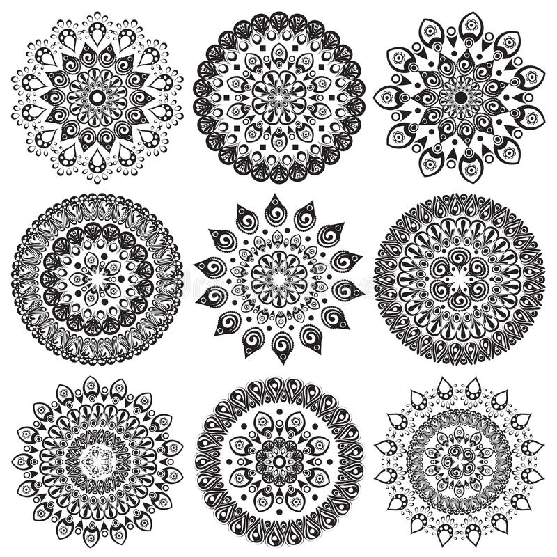 Een reeks mooie mandalas en kantcirkels vector illustratie