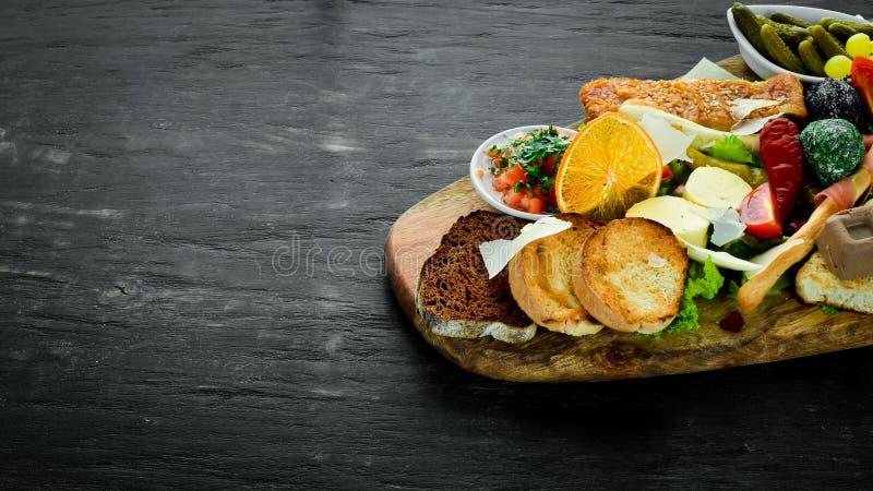 Een reeks van voedsel Snacks van Italiaanse keuken royalty-vrije stock foto's