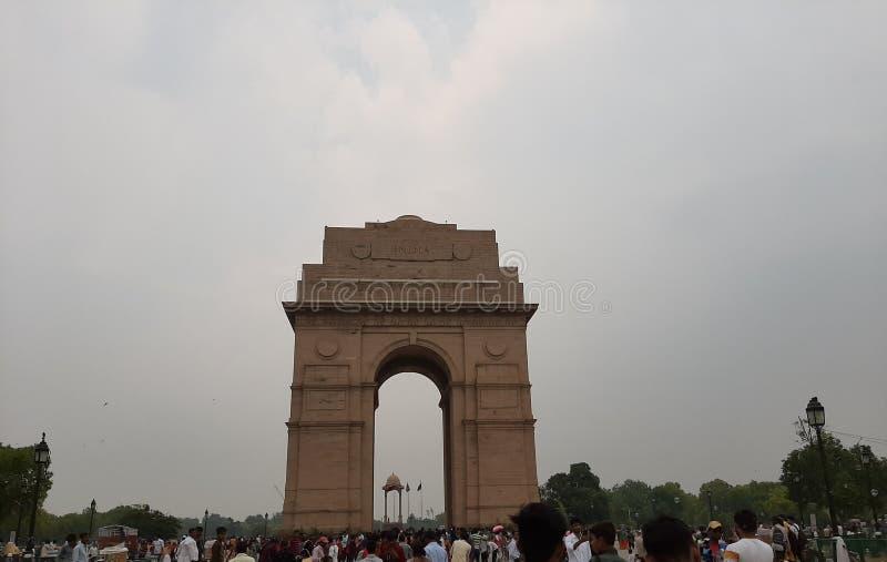 Een regenachtige dag in India Gate stock foto
