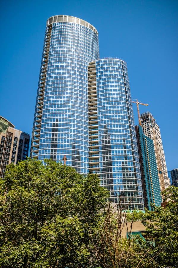 Een reusachtig wolkenkrabbergebouw in Chicago, Illinois stock foto
