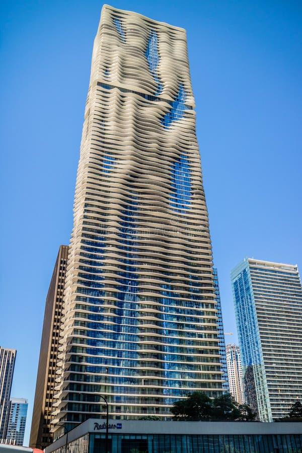 Een reusachtige woningbouw in Chicago, Illinois stock foto