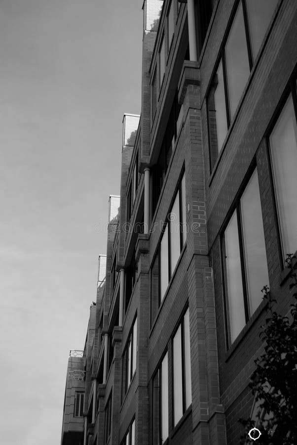 Een rij van generische huisvesting stock foto