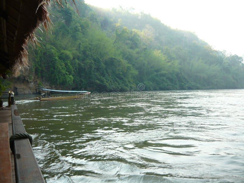 Een rivier in Thailand stock foto
