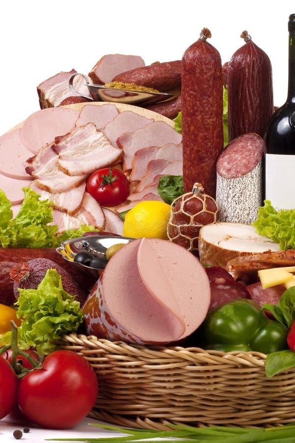 Een samenstelling van vlees en groenten met wijn royalty-vrije stock afbeelding