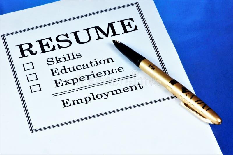 Een samenvatting-document van de kandidaat voor een baan Samenvatting-informatie over vaardigheden, het werkervaring, onderwijs,  stock afbeeldingen