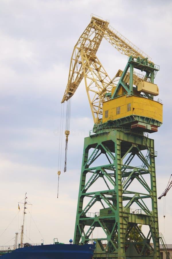 Een schip-opheffende faciliteit en een structuur voor de bouw stock foto