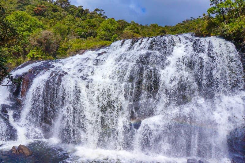 Een sectie Bakkers valt in Horton Plains National Park in Sri Lanka Horton Plains National Park is een beschermd gebied in Ce royalty-vrije stock foto