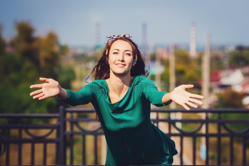 Een smiley gelukkig meisje royalty-vrije stock foto's