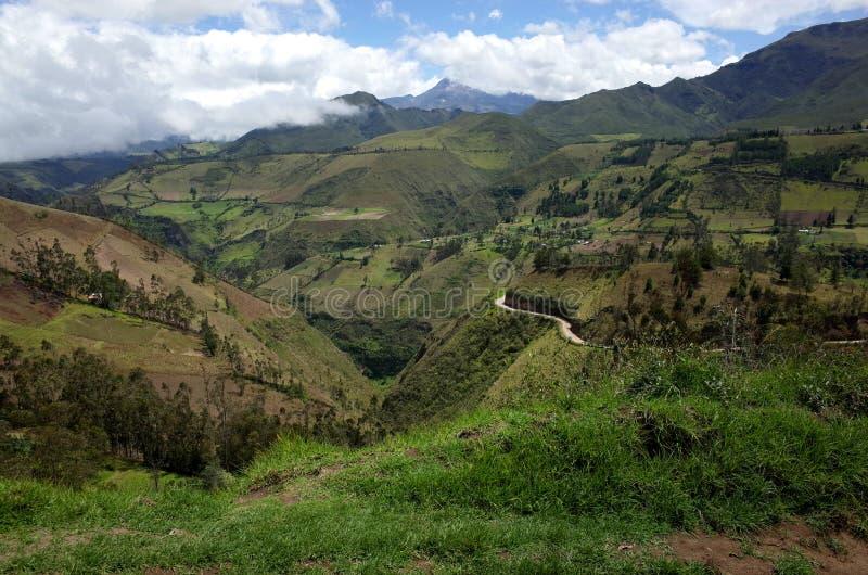 Een spectaculaire mening van de Ecuatoriaanse Andes stock foto