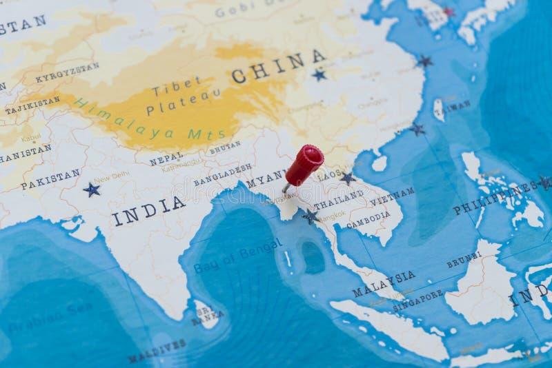 Een speld op naypyitaw, Myanmar, Birma in de wereldkaart stock afbeeldingen