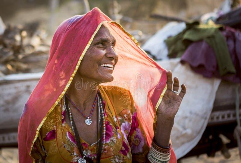 Een stammendame in pushkar kameelmarkt royalty-vrije stock fotografie