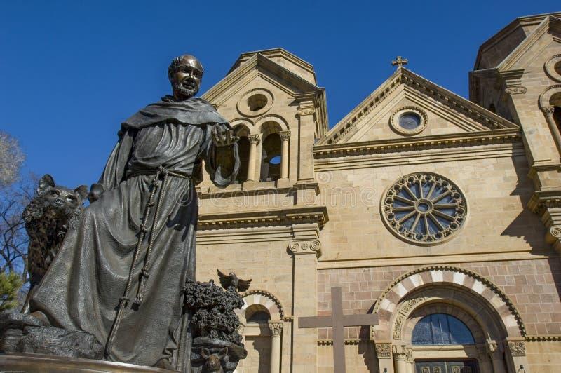 Een standbeeld van het patroonheilige waarvoor St Francis van de Kathedraal van Assisi in Santa Fe, NM werd genoemd royalty-vrije stock foto's