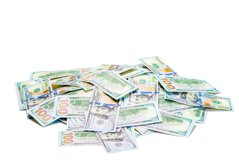 Een stapel van 100 dollar rekeningen stapelde zich op witte achtergrond op stock afbeeldingen
