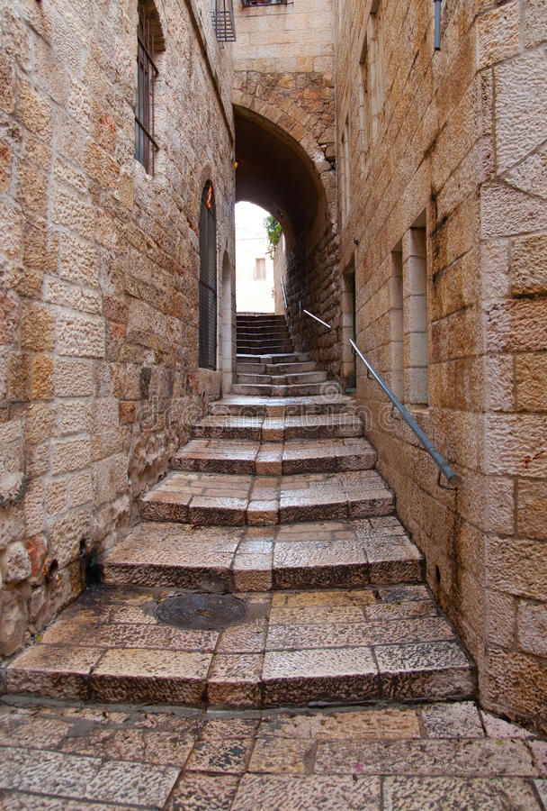 Een steeg in de oude stad in Jeruzalem. royalty-vrije stock afbeeldingen