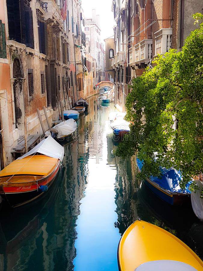 Een stil kanaal Venetië, Italië stock foto