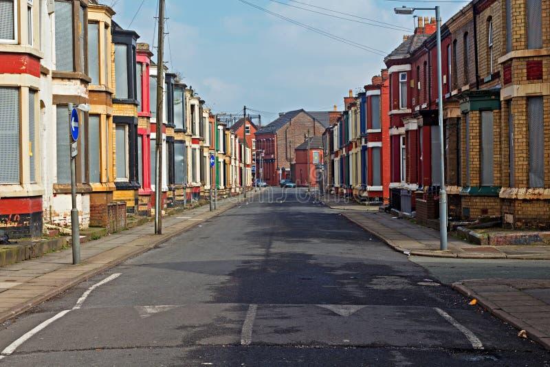 Een straat van ingescheept op verlaten huizen royalty-vrije stock afbeeldingen