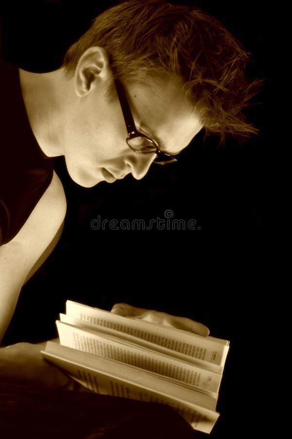 Een student met een Boek stock afbeelding