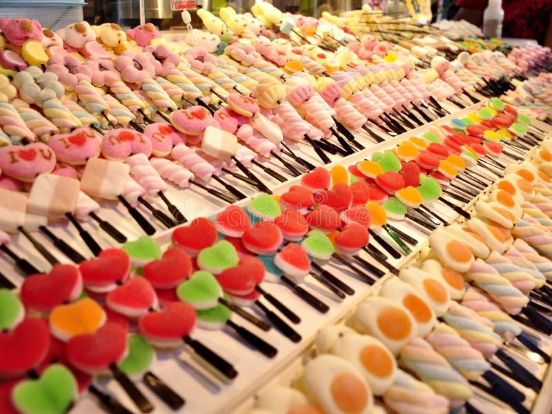 In een suikergoedwinkel royalty-vrije stock afbeelding