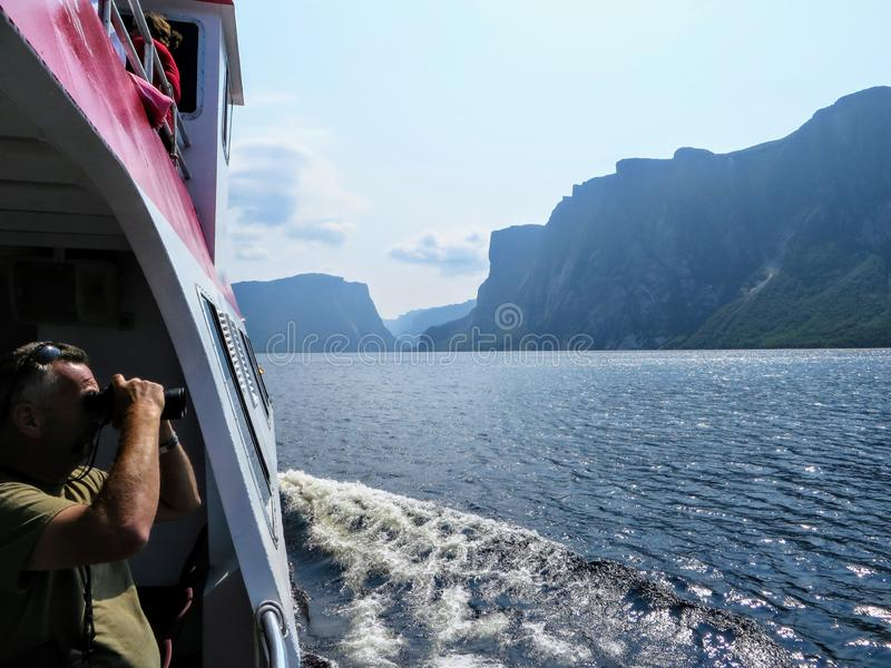 Een toerist die een foto van de adembenemende meningen van de Westelijke Beekvijver nemen royalty-vrije stock afbeelding