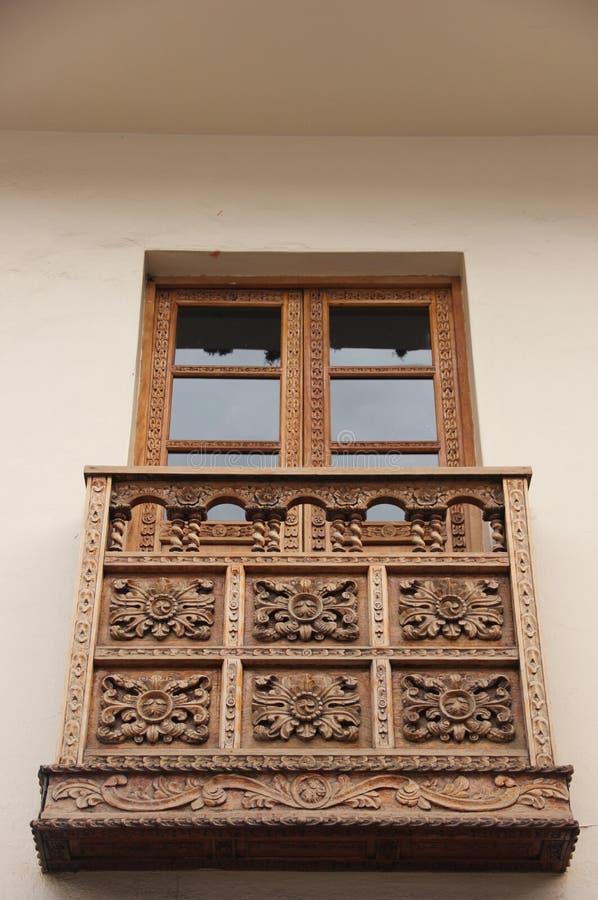 Een traditioneel balkon in Sucre stock afbeeldingen