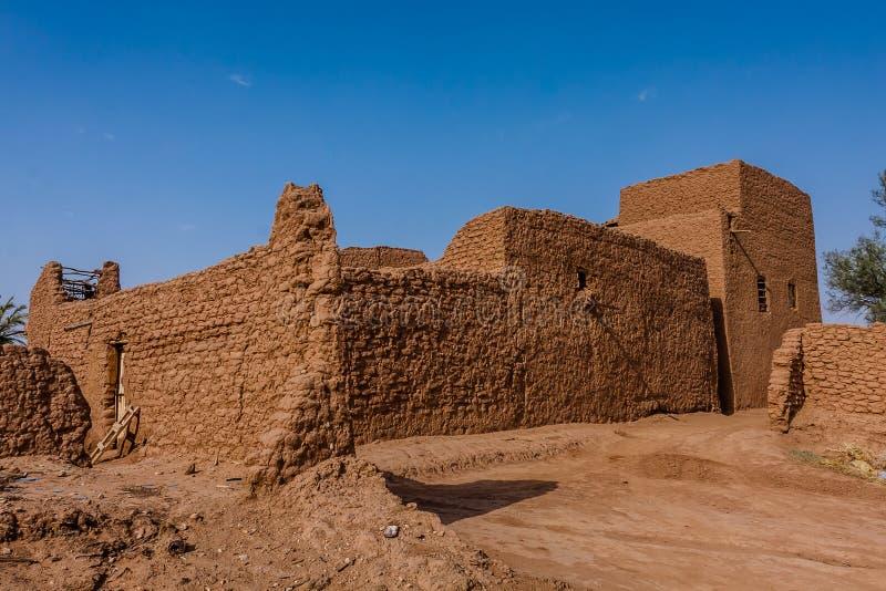 Een traditionele Arabische verblijfplaats met een gesloten yard, Riyadh Provincie, Saudi-Arabië stock afbeelding