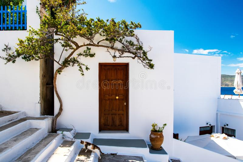 Een traditionele Cycladic-architectuur in Adamas, Milos royalty-vrije stock foto's