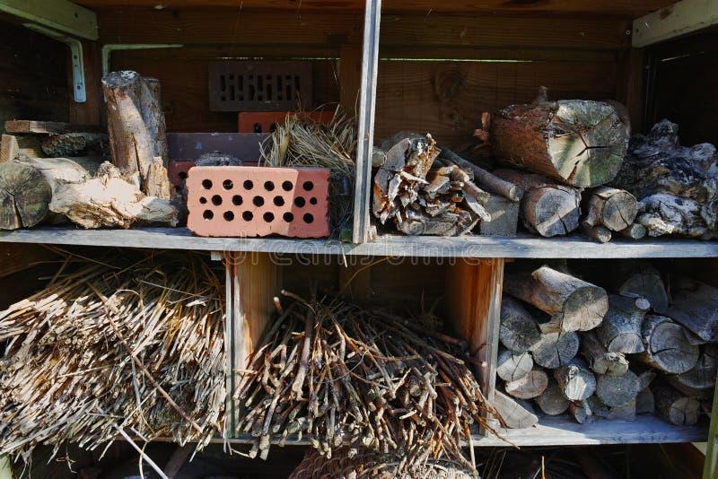 Een Tuinschuilplaats voor Wilde dieren en Insectenhuis stock afbeelding
