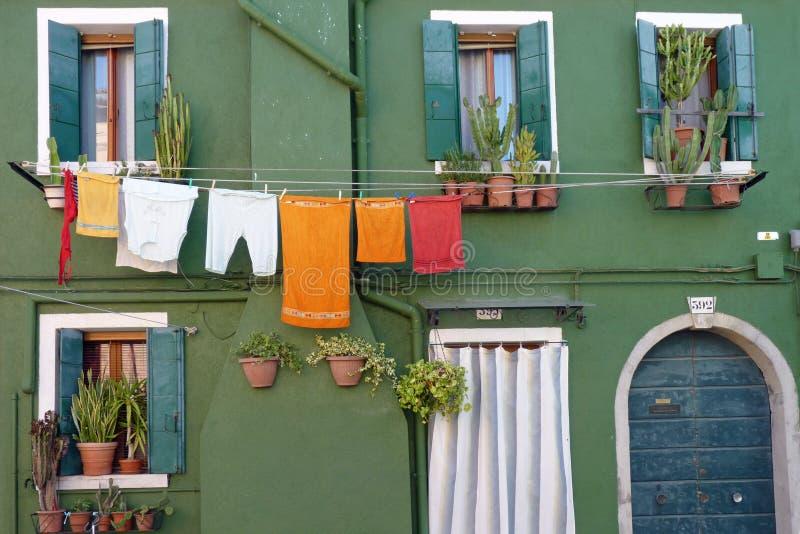 Een Typisch Huis in Burano stock afbeeldingen