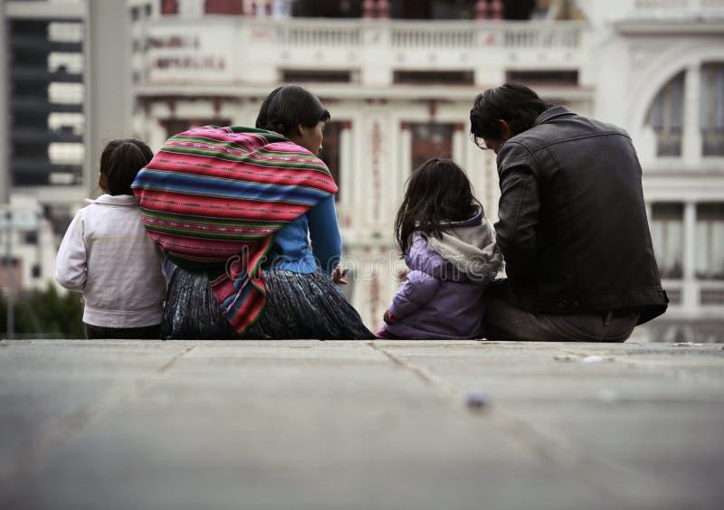 Een typische familie van de stad van La Paz stock fotografie