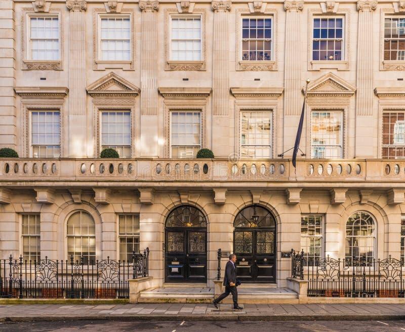 Een typische mening in Mayfair royalty-vrije stock afbeelding