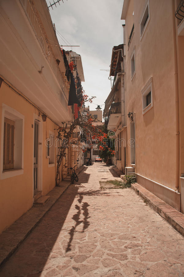 Download Een Typische Straat In Zante-Stad Stock Foto - Afbeelding bestaande uit stad, charming: 54090644