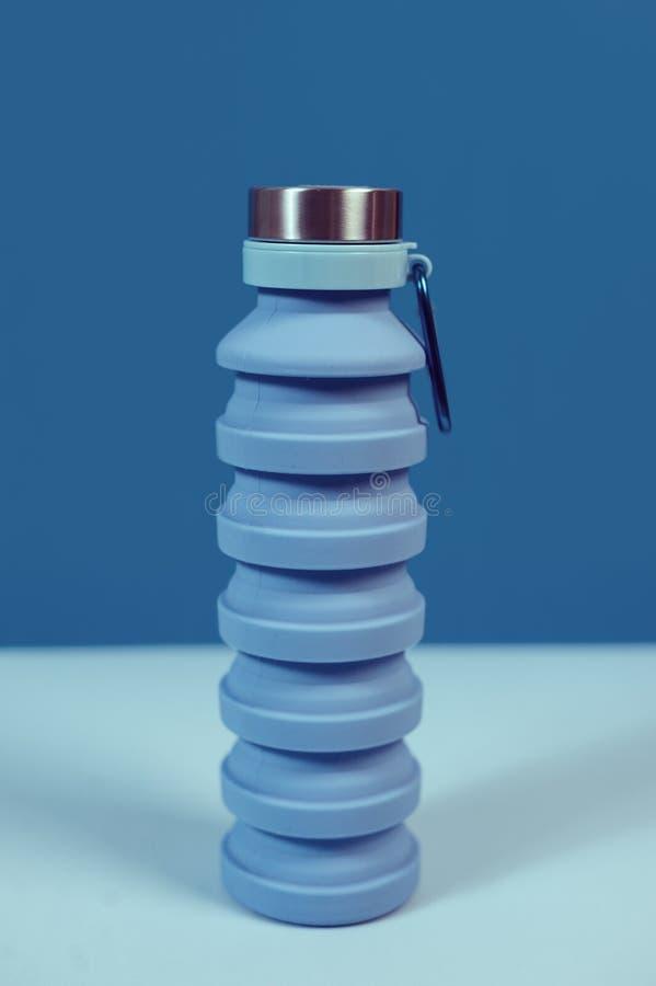 Een veilige opnieuw te gebruiken waterfles royalty-vrije stock afbeelding