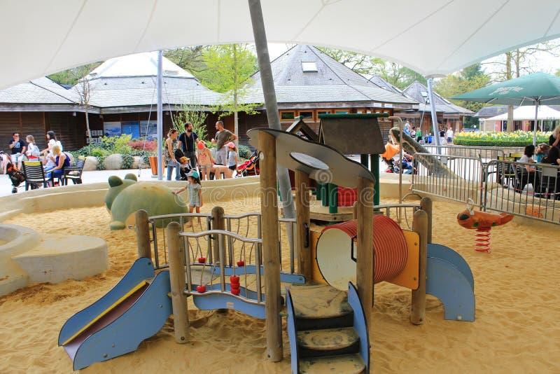 Een verbazende speelplaats voor jong geitje in Parc Merveilleux, Bettembourg royalty-vrije stock fotografie