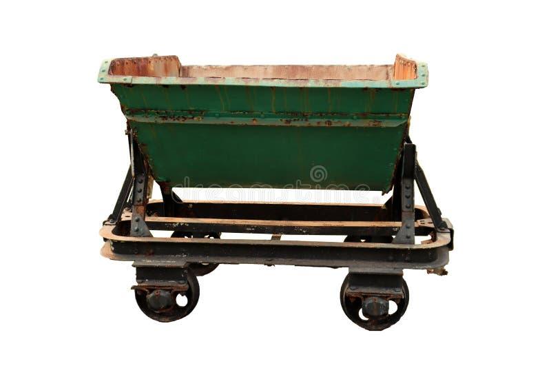 Een verlaten voertuig voor het goederenvervoer, oud mijnbouwvervoer dat op witte achtergrond wordt geïsoleerd royalty-vrije stock afbeeldingen