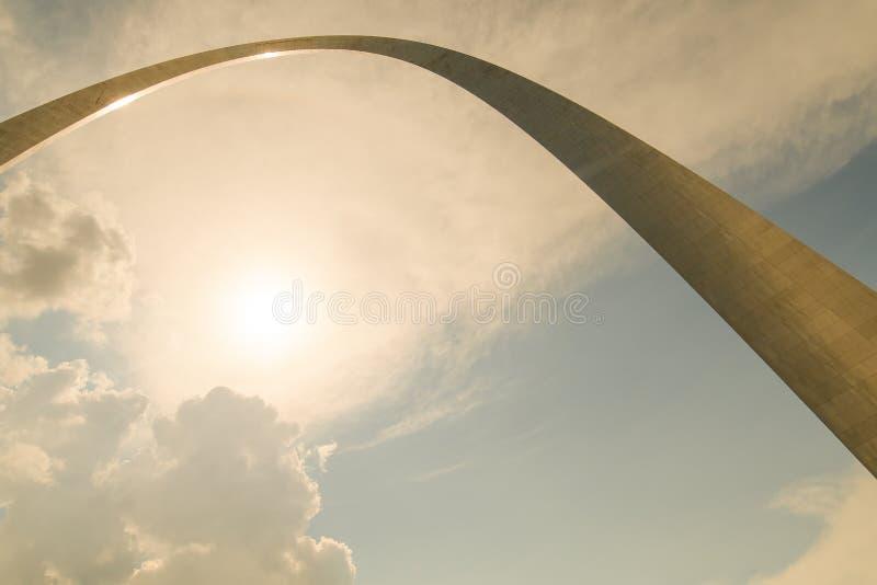 Een verschillend ongebruikelijk perspectief van de boog van de poortmanier in misouri van St.Louis royalty-vrije stock foto's